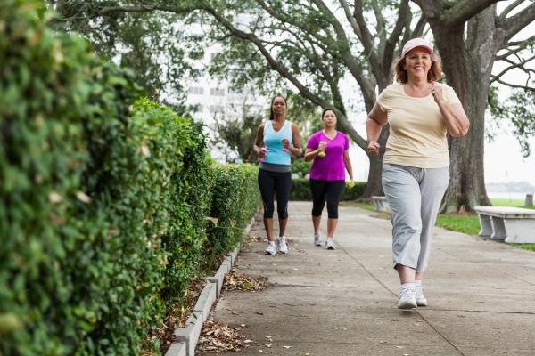 walking-fights-heart-disease.jpg