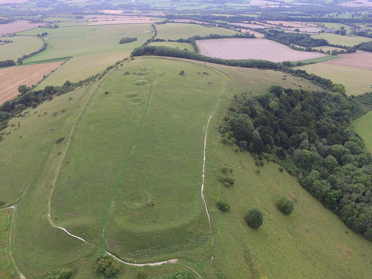 1280px-Old_Winchester_Hill_hill_fort By Hunanuk