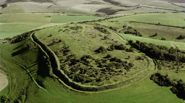 south-downs-cissbury-aerial-1400x788 (sarsen.org).jpg