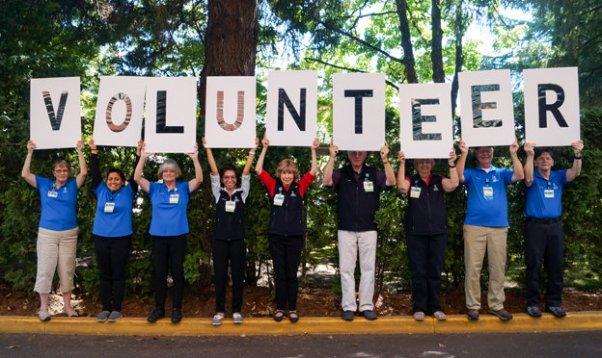 volunteer_hero_image_03