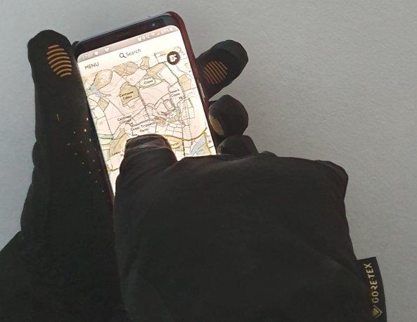glove phone 2.jpg